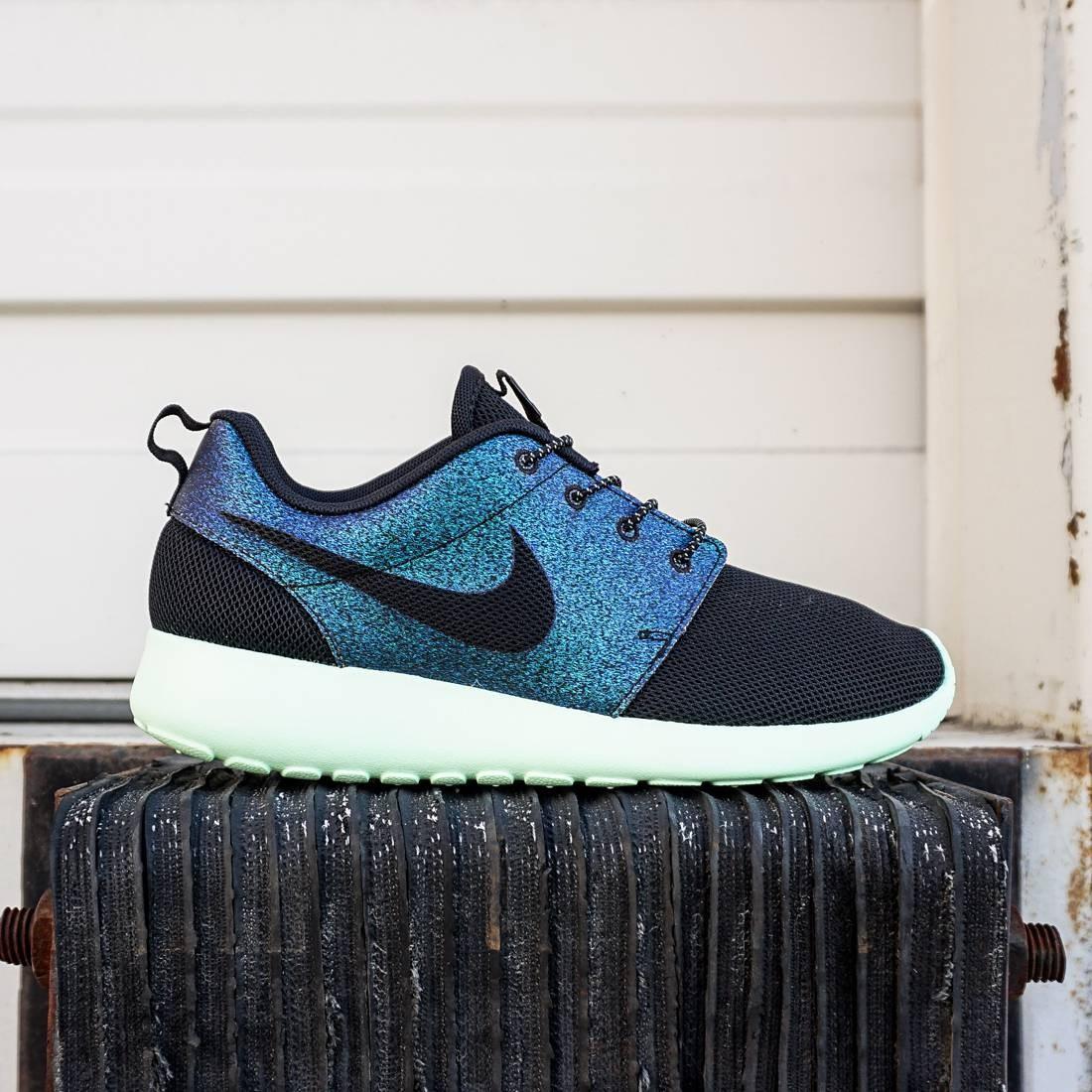 43c0506e81f2 Nike Women Roshe One WWC QS teal black vapor green