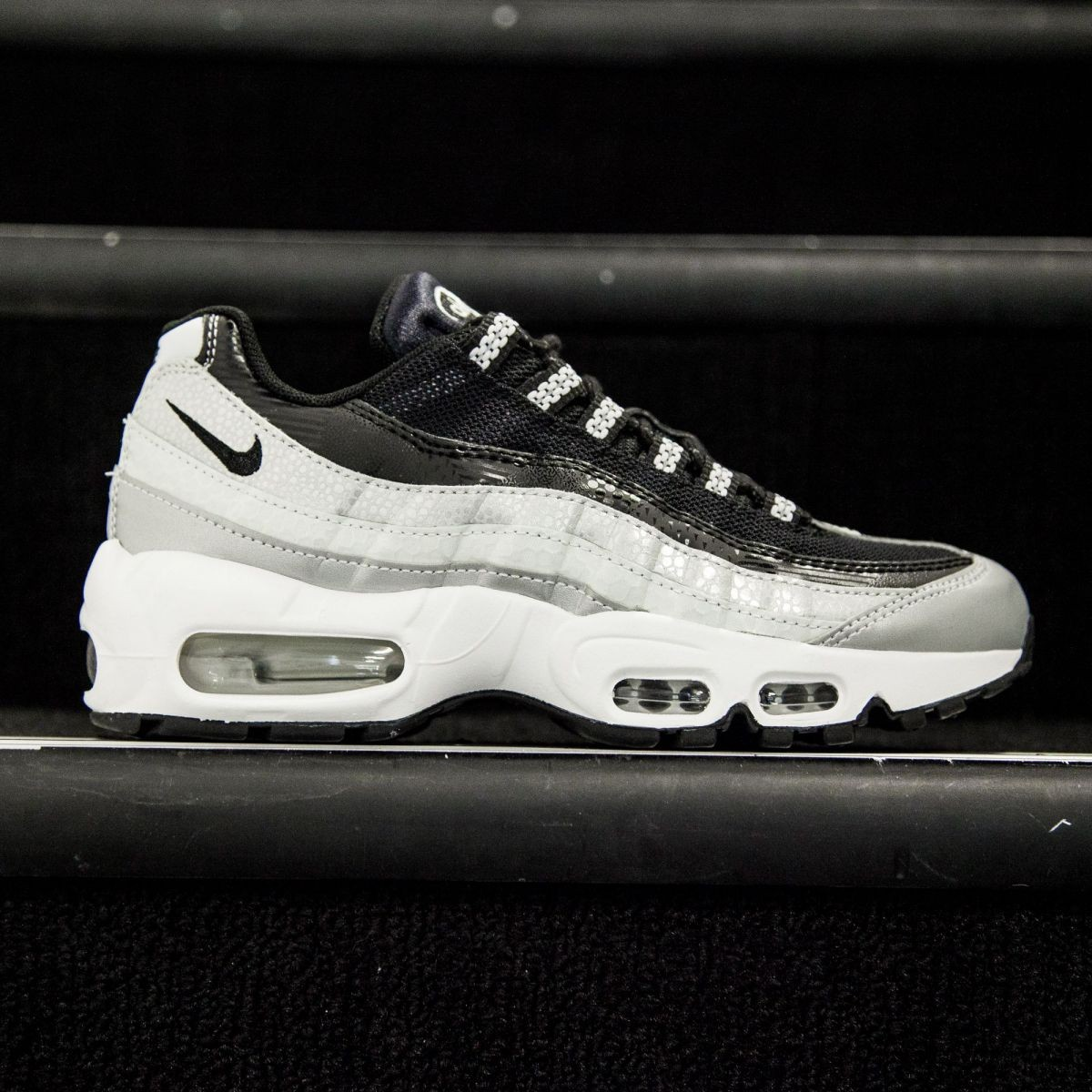 Nike Women Air Max 95 Anniversary QS (silver   metallic platinum   black    white) d03d82e193