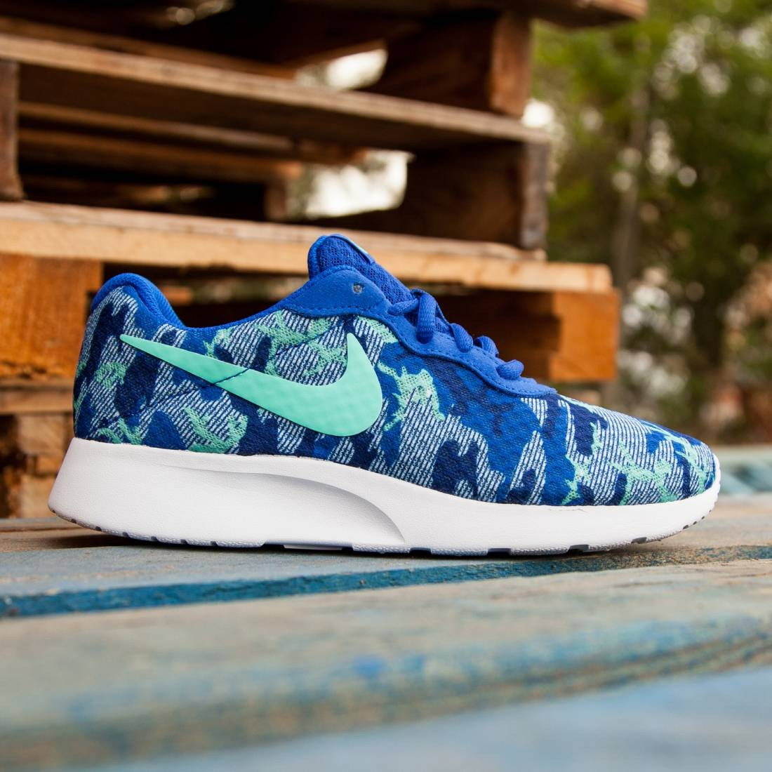 competitive price 58354 3d81f Nike Women Tanjun Print (blue  racer blue  hyper turquoise  pure  platinum  deep royal)