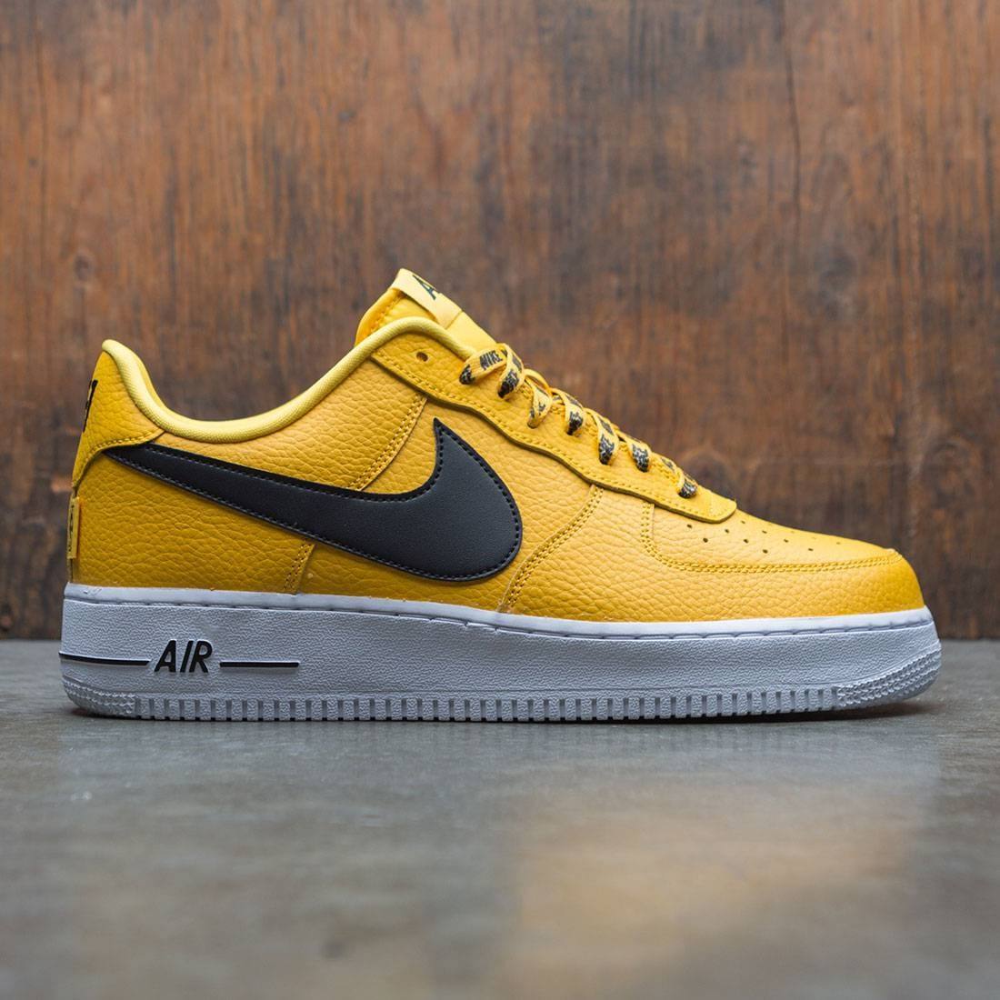 sports shoes 2e885 a5f88 Nike Men Air Force 1 07 Lv8 NBA Pack amarillo black-white