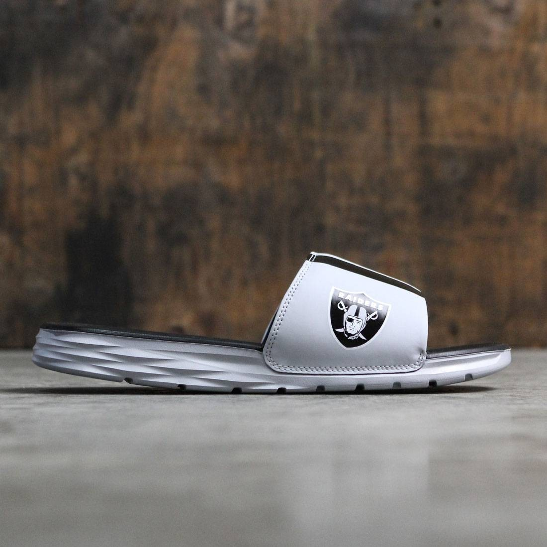 Nike Men Benassi Solarsoft Slide - Nfl (field silver / black)