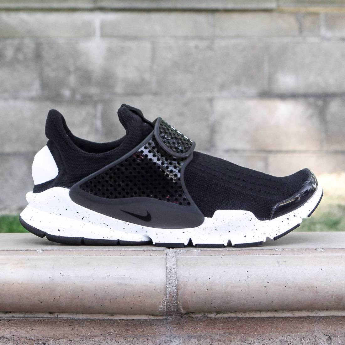 cheap for discount cc8ab bc77a Nike Men Sock Dart Se (black / black-white)