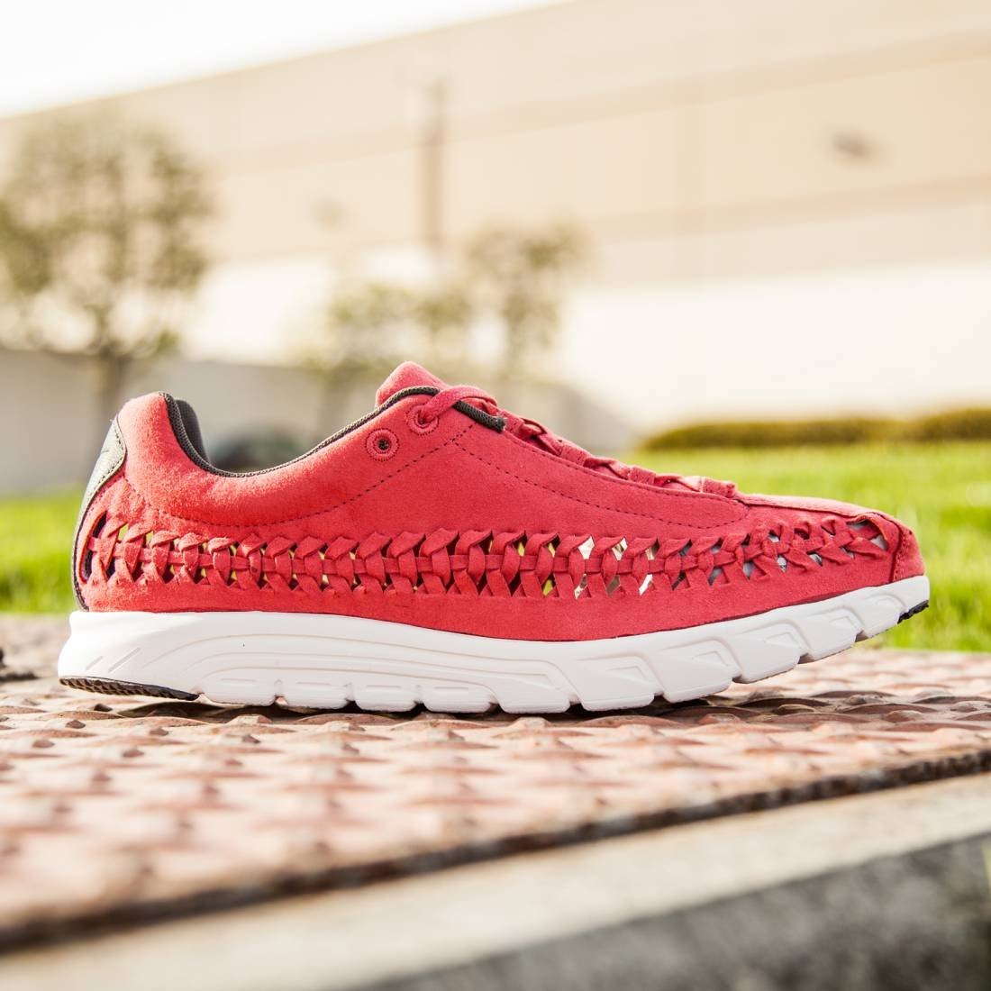 52cfed8a76c7 Nike Men NIKE MAYFLY WOVEN (terra red summit white  dark base grey)