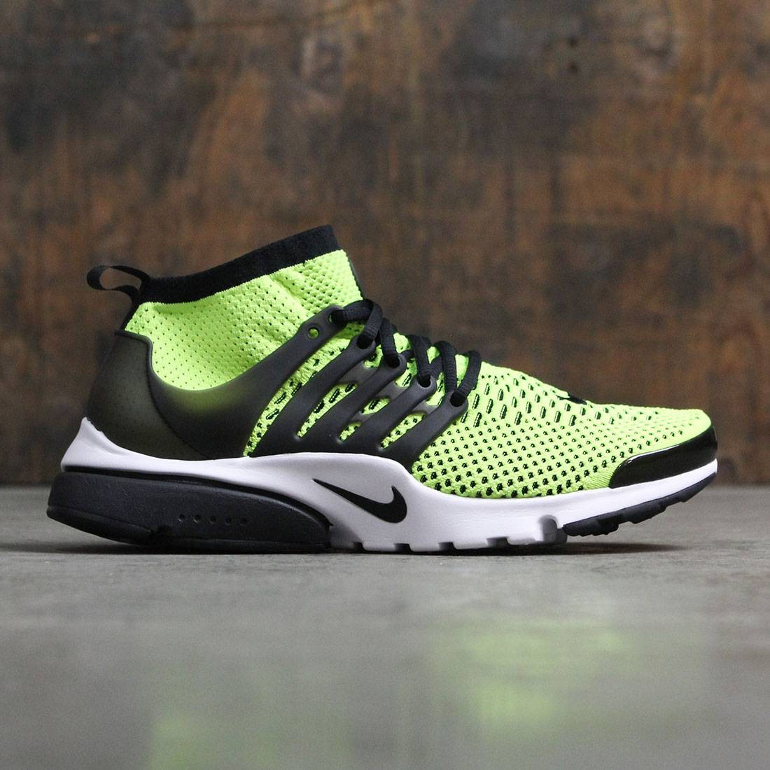 e249edd6706 Nike Men Air Presto Ultra Flyknit (volt / black-white)