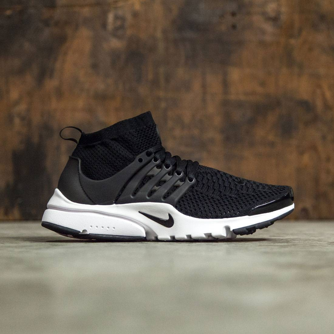 brand new 63f03 120bd Nike Women Women S Nike Air Presto Flyknit Ultra Shoe (black   black-white)