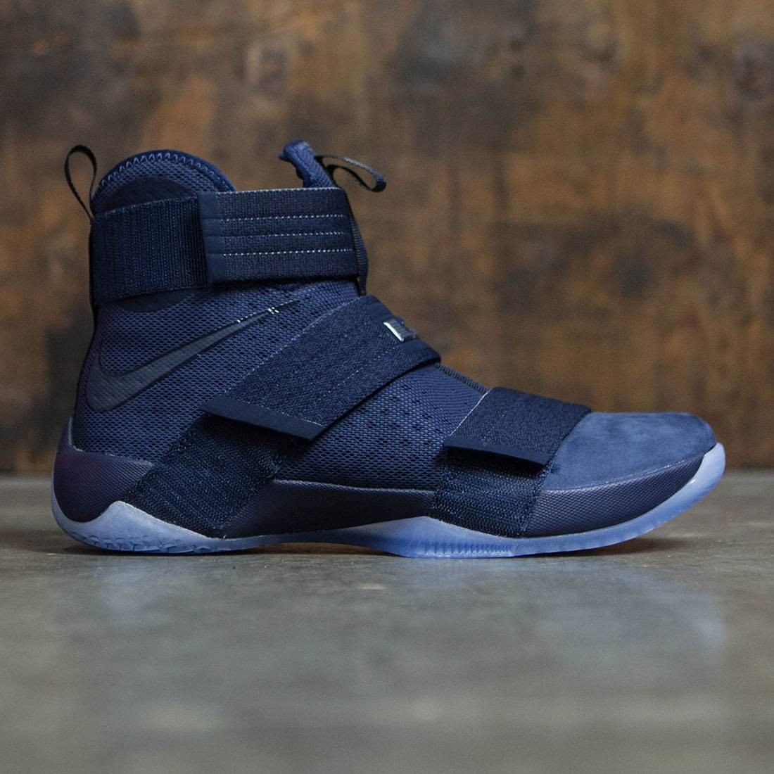 2278d47d881a2 Nike Men Lebron Soldier 10 Sfg (navy   midnight navy-game royal)