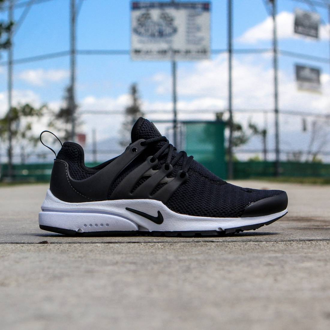 the best attitude aad54 efdd7 Nike Women NIKE AIR PRESTO (black / white / black)