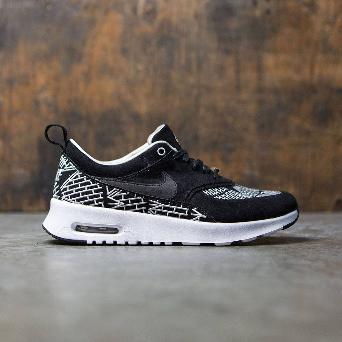 Nike Women Wmns Nike Air Max Thea Lotc Qs Nyc (black white light bone black)