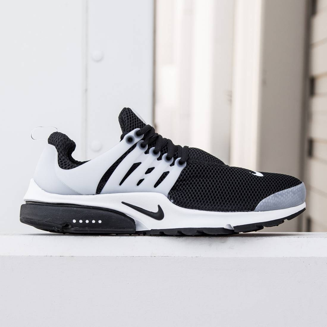 398c75a2a723 Nike Men Air Presto (black   white   neutral grey   black)