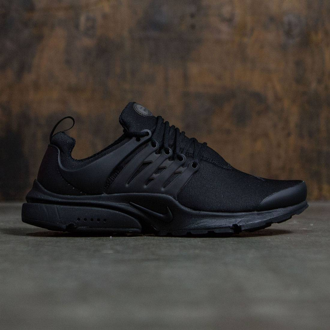 b451c0288e34 Nike Men Air Presto Essential (black   black-black)