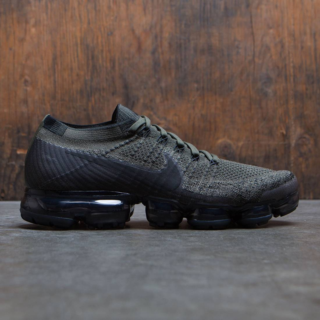pretty nice db832 a3b11 Nike Men Air Vapormax Flyknit Running (cargo khaki / black-medium  olive-dark grey)