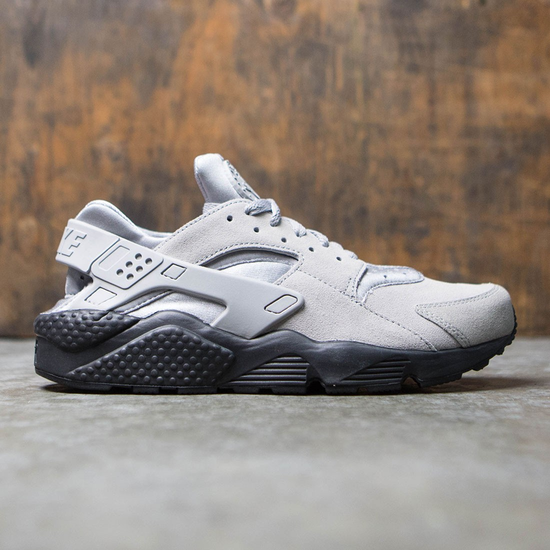 cheap for discount d0a42 f3c28 Nike Men Air Huarache Run Se (matte silver   matte silver-black)