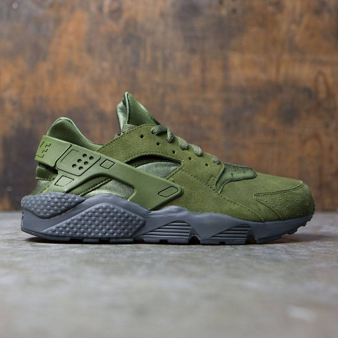 f360008223e5 Nike Men Air Huarache Run Se (legion green   legion green-anthracite)