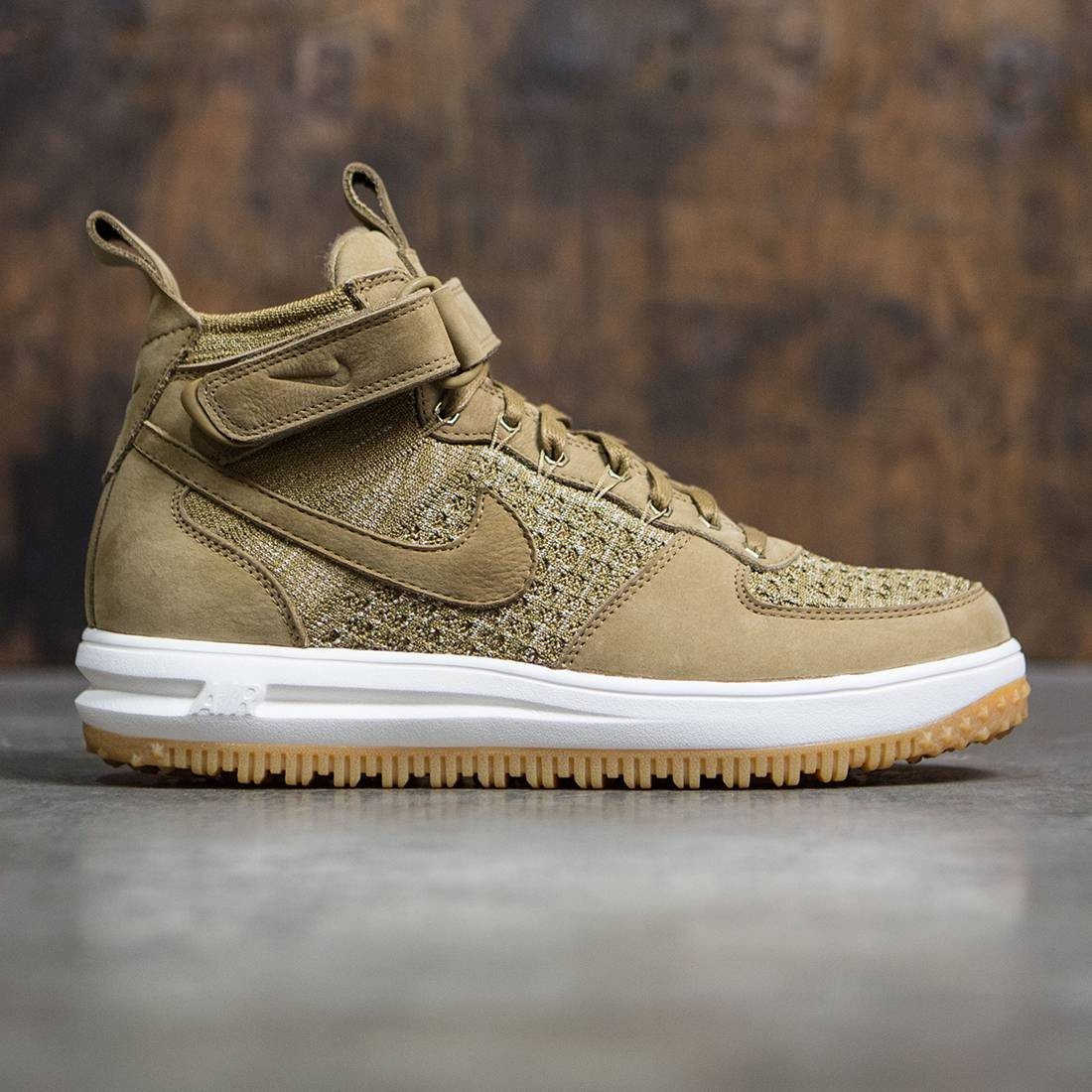 low priced 999c4 43ab3 Nike Men Lunar Force 1 Flyknit Workboot (golden beige   sail-olive flak)