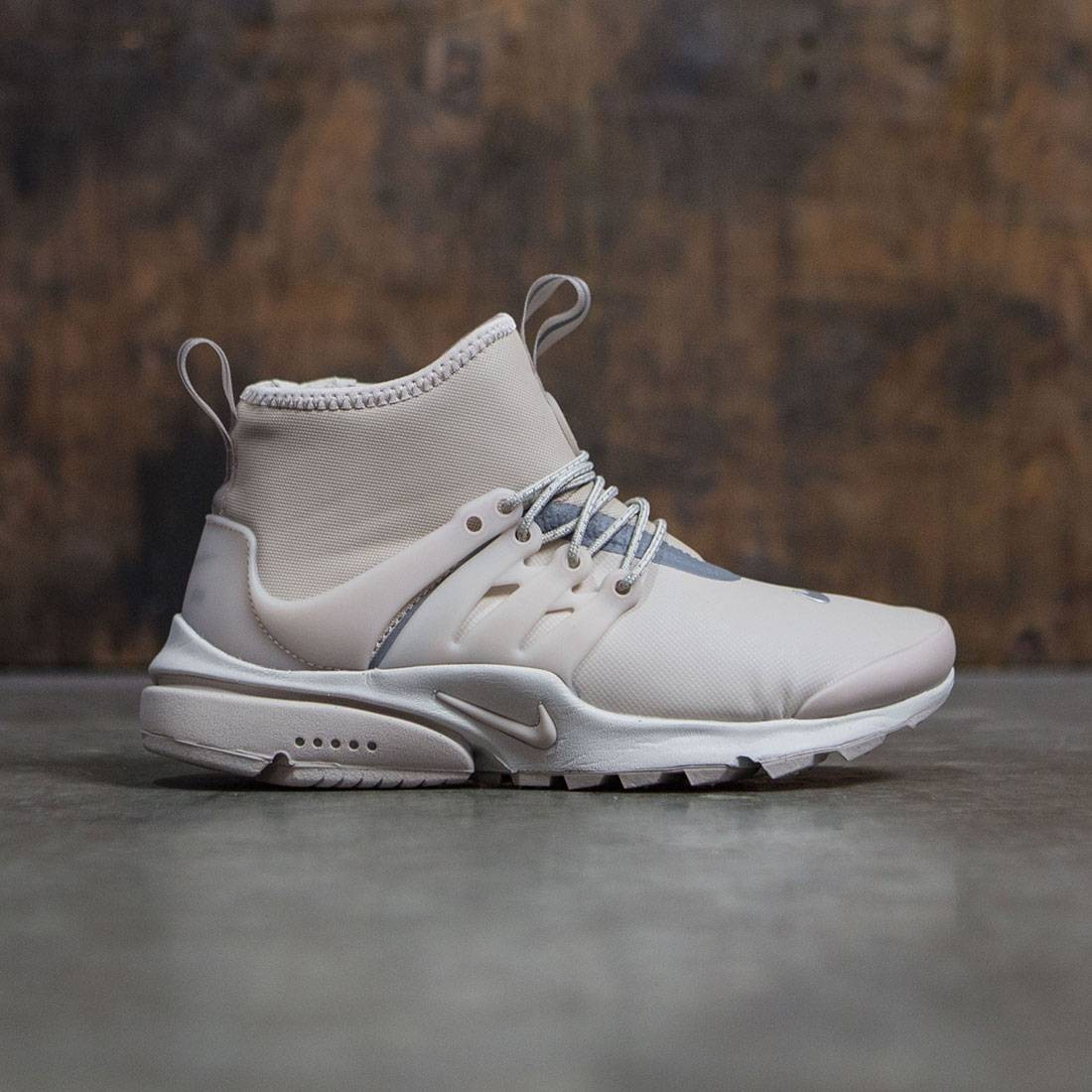 sports shoes df213 dbf1d Nike Women Air Presto Mid-Top Utility (string / string-reflect silver-light  bone)
