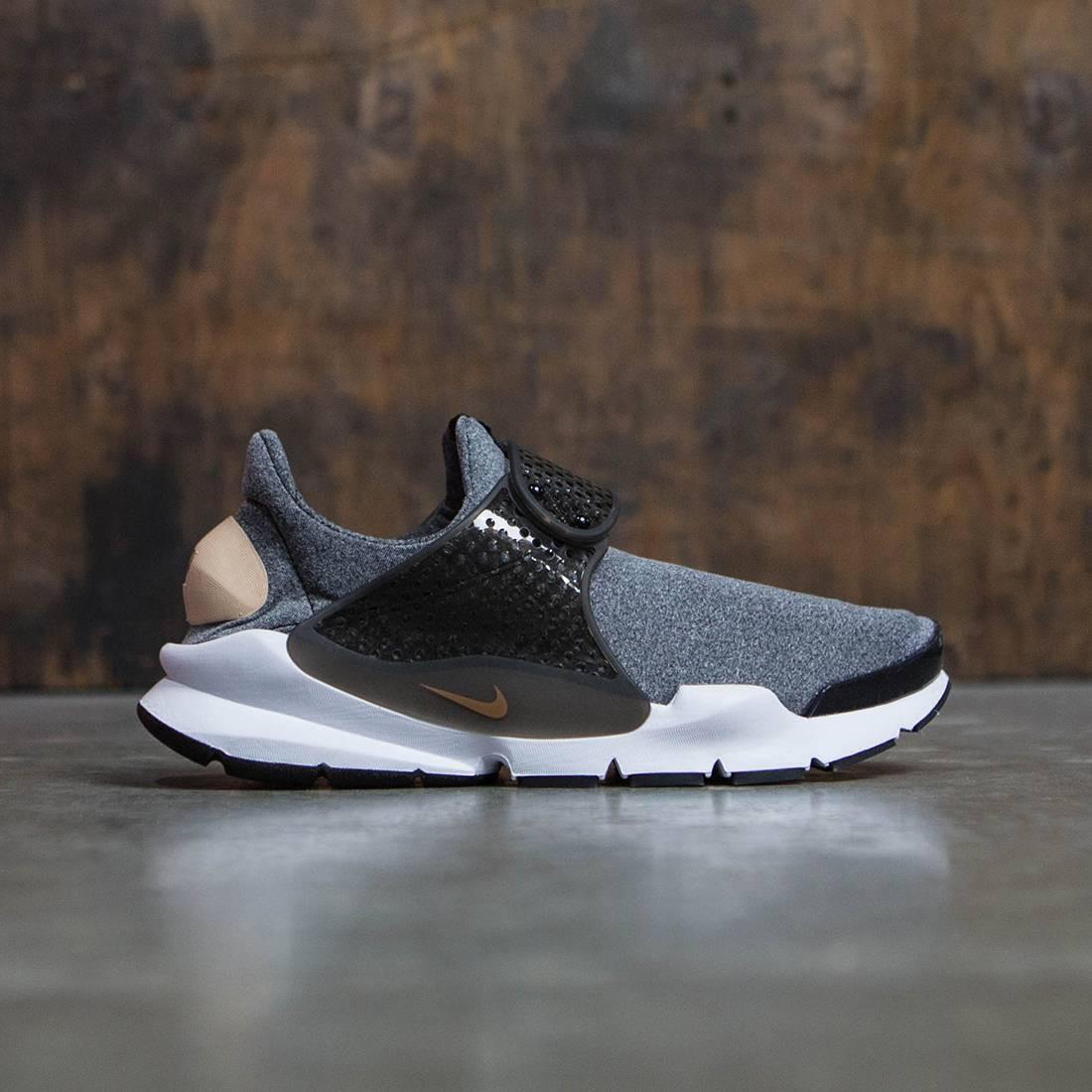 dc6fb8a79765 Nike Women Sock Dart Se (black   vachetta tan-black-white)