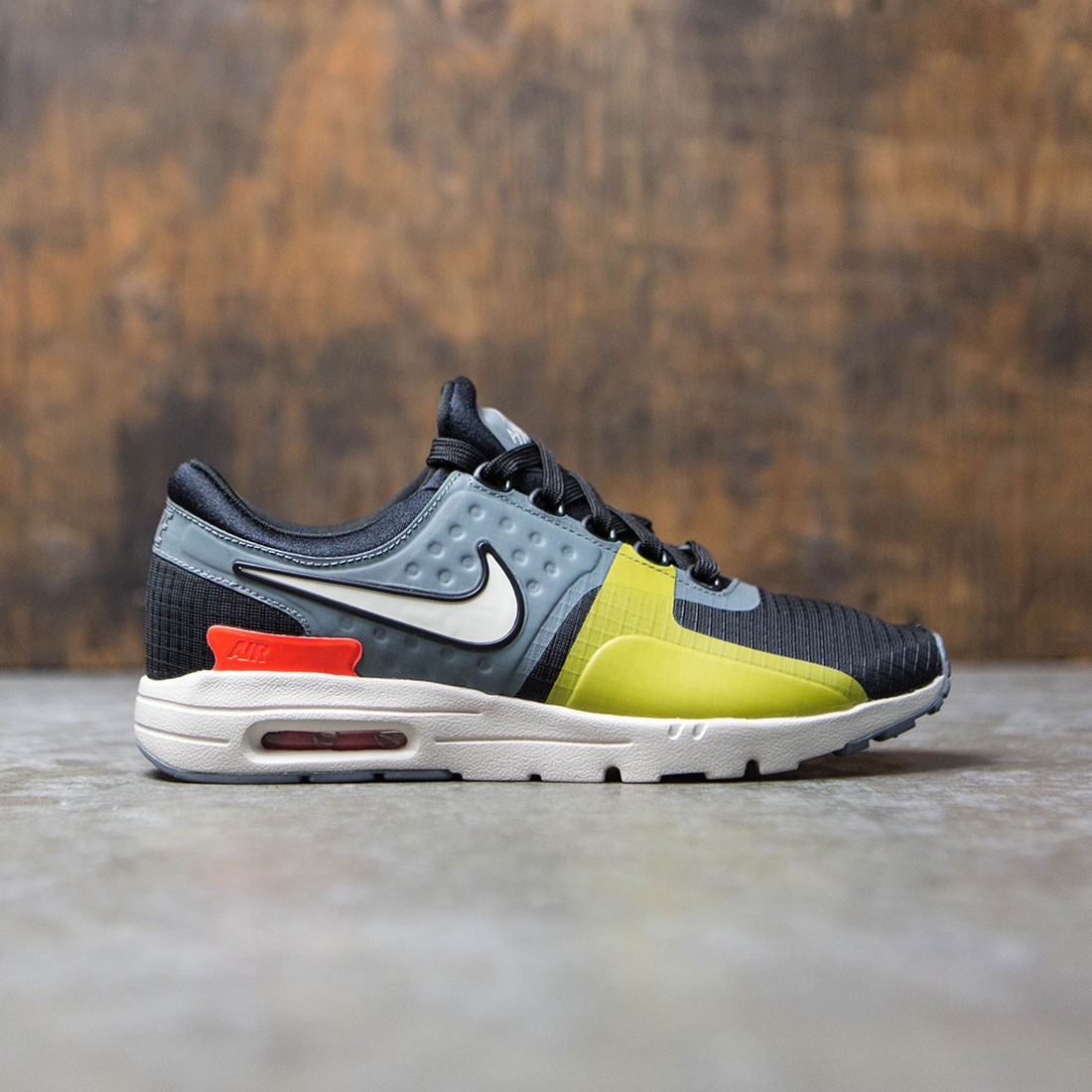 online store 7f725 960a3 Nike Women Air Max Zero Si (black   light bone-cool grey-total crimson)