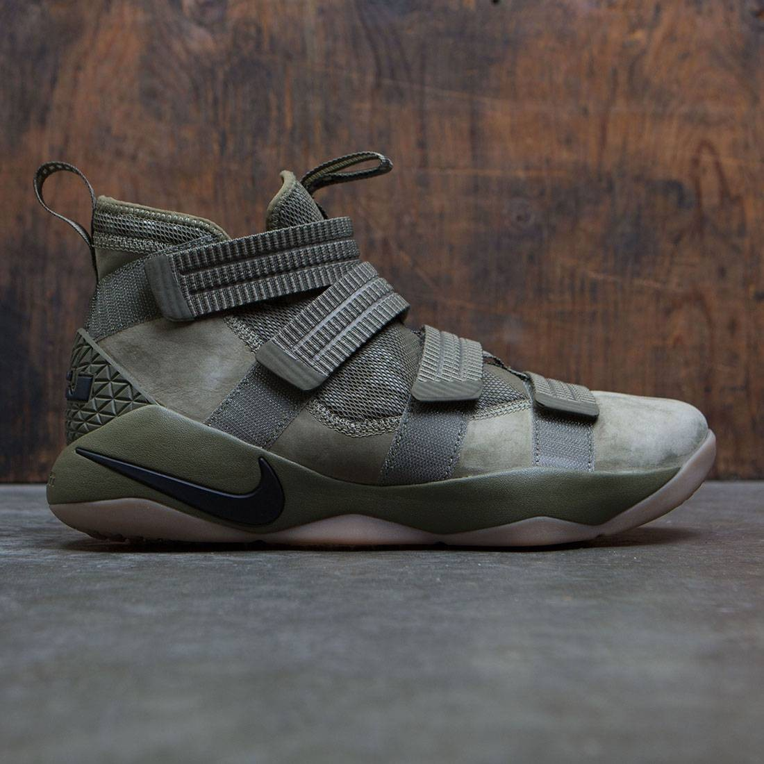 best service 1674f 15e5d nike men lebron soldier xi sfg olive medium olive black blac