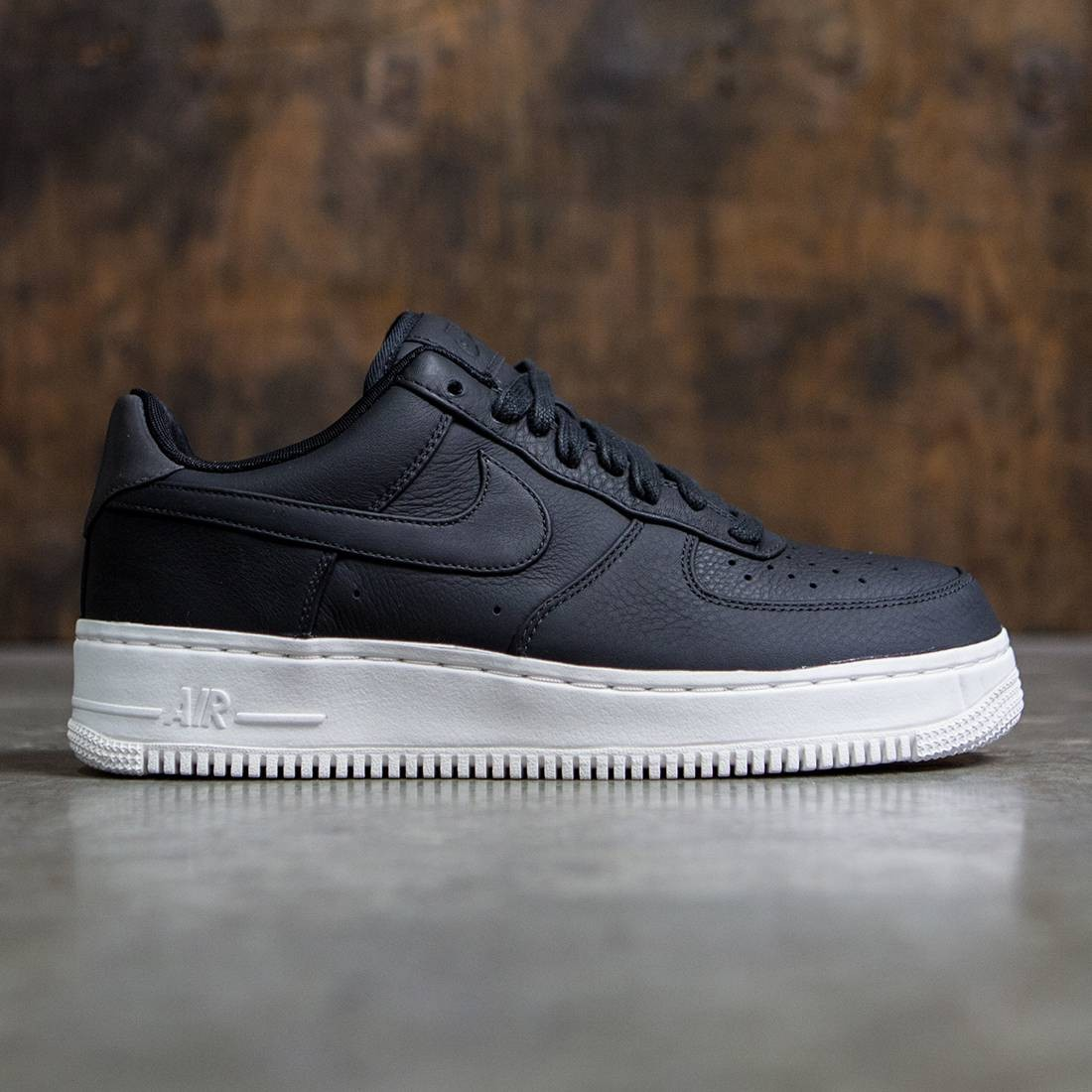 Nike Men Nikelab Air Force 1 Low (black black black sail)
