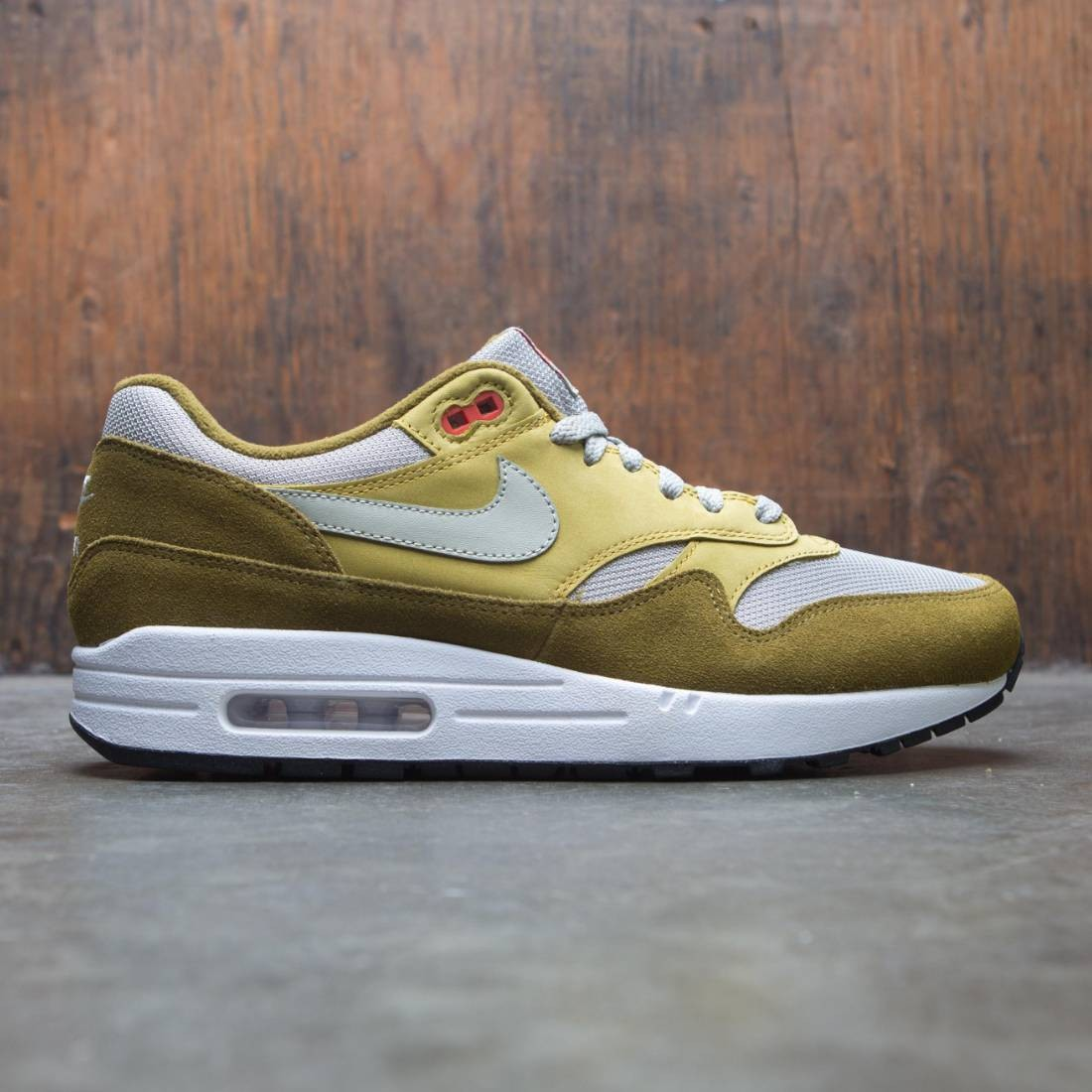 new product 14e06 726e8 nike men air max 1 premium retro olive flak spruce fog peat