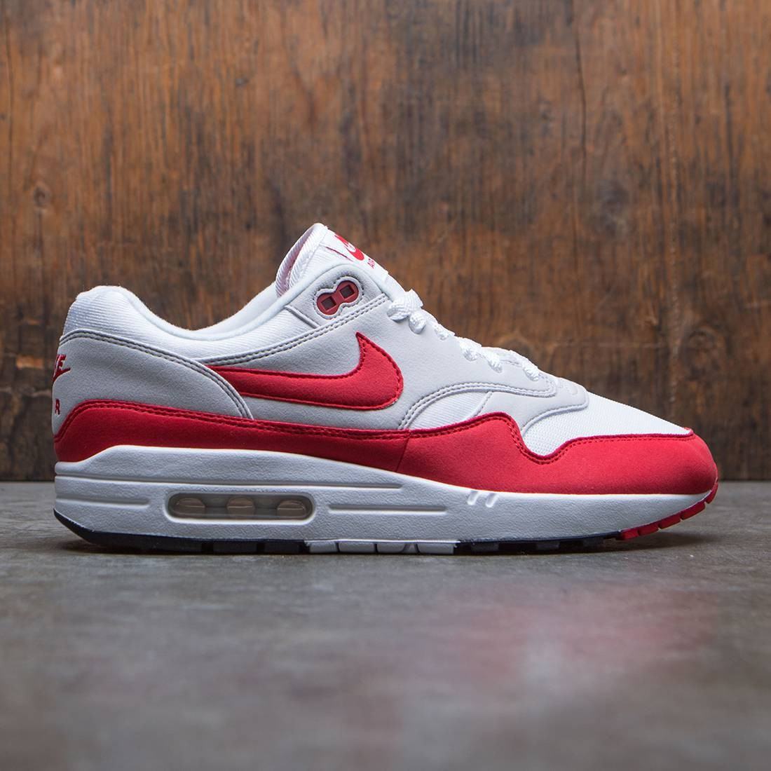 nike men air max 1 anniversary qs white university red neutral grey black aa93e276a
