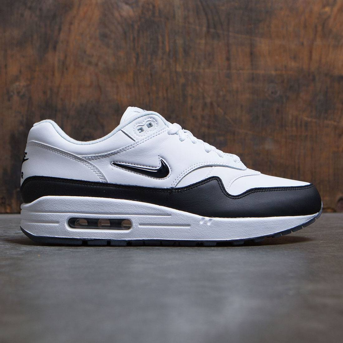 official photos 3981f 4c463 nike men air max 1 premium sc white black black