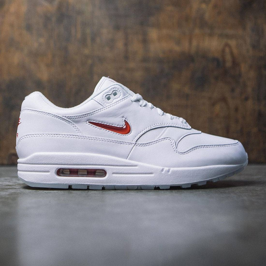 outlet store c0f95 4d3f9 nike men air max 1 premium sc white university red university red