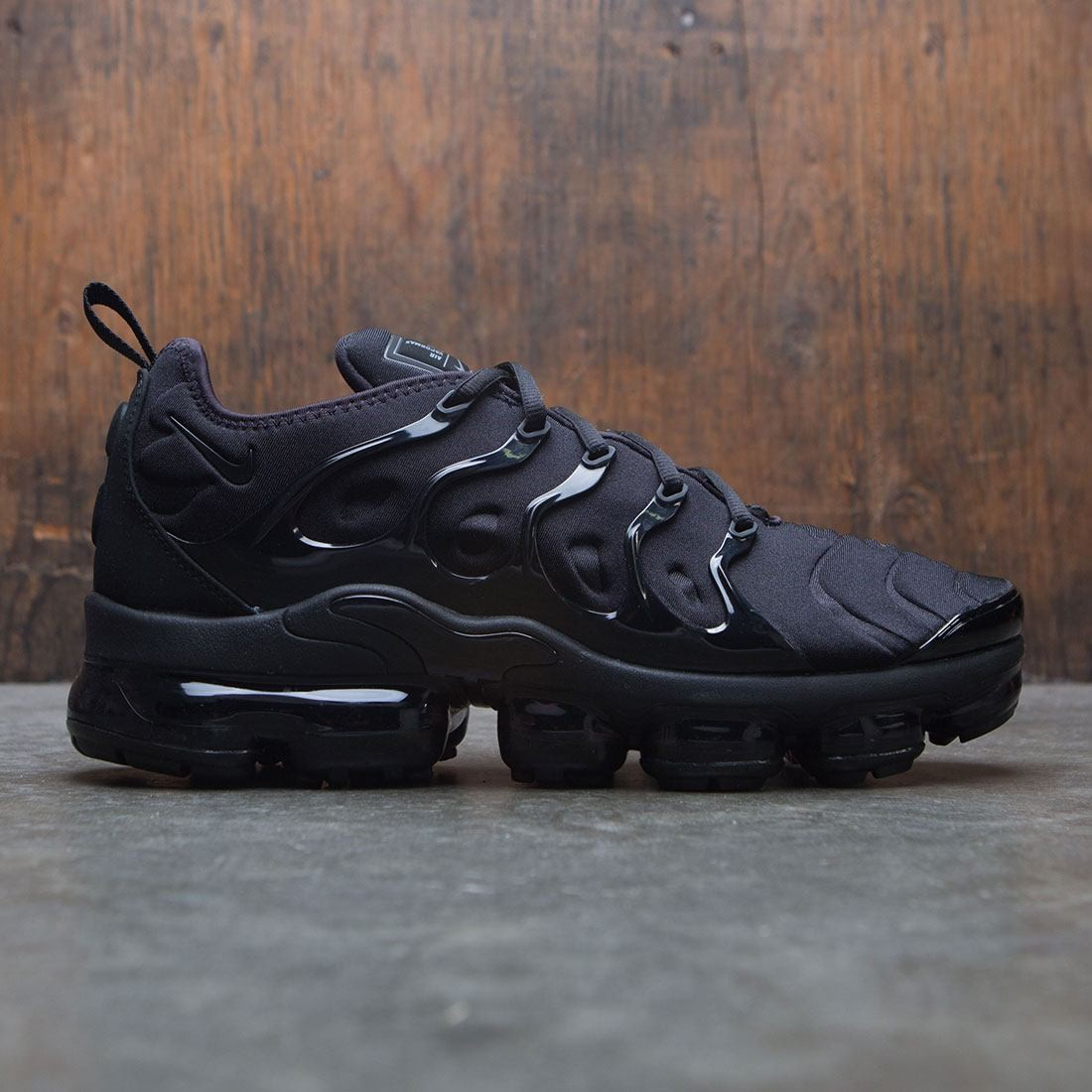 huge selection of 98583 e1ee7 Nike Men Air Vapormax Plus (black / black-dark grey)