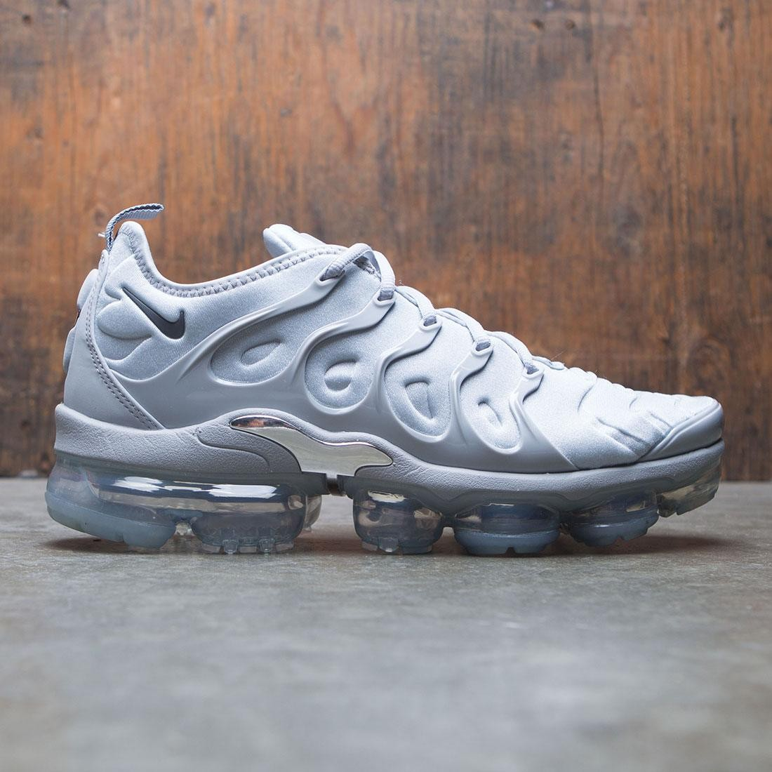 new styles 64818 c154e Nike Men Air Vapormax Plus (wolf grey / dark grey-metallic silver)