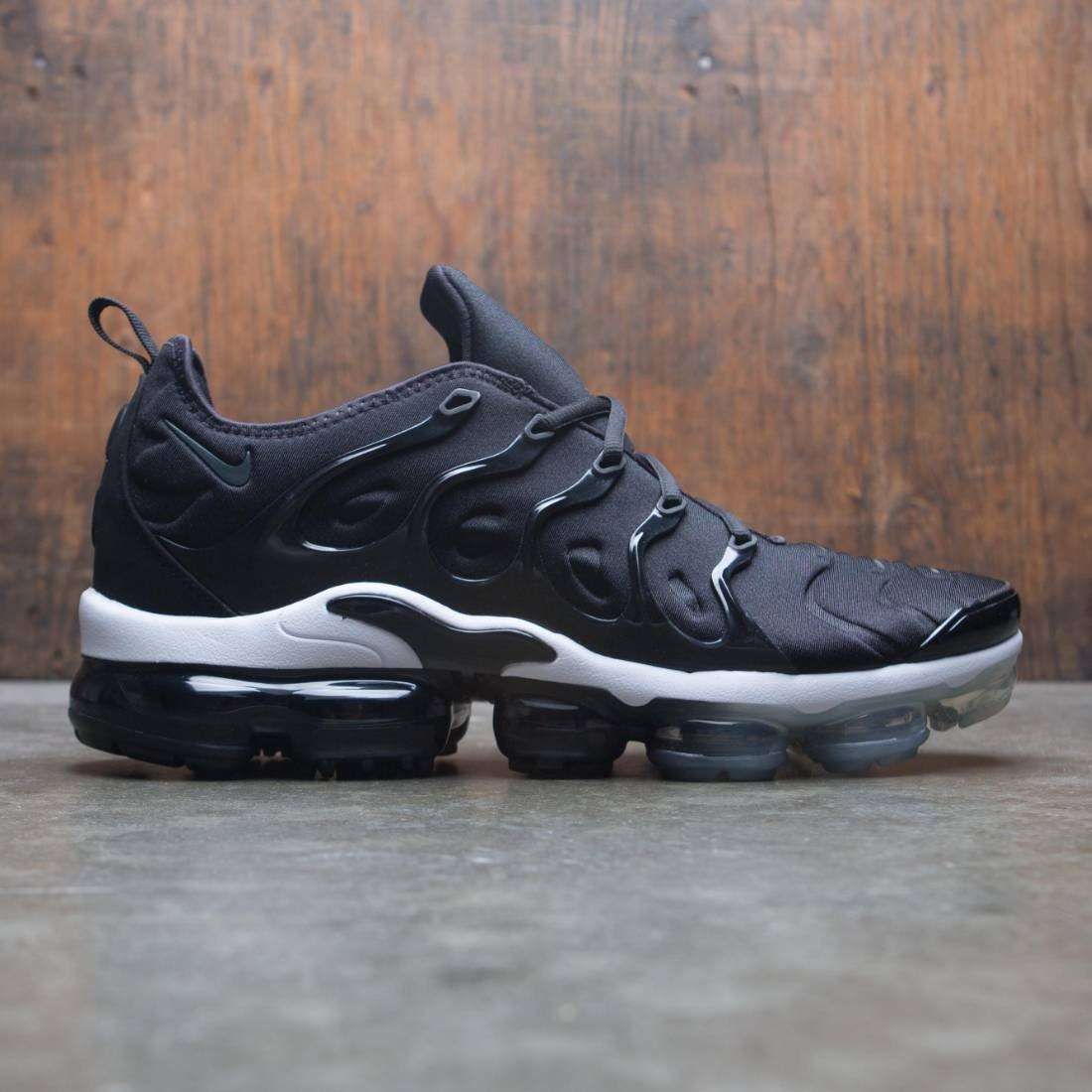 pretty nice 8bb45 4d3f4 Nike Men Air Vapormax Plus (black / anthracite-white)