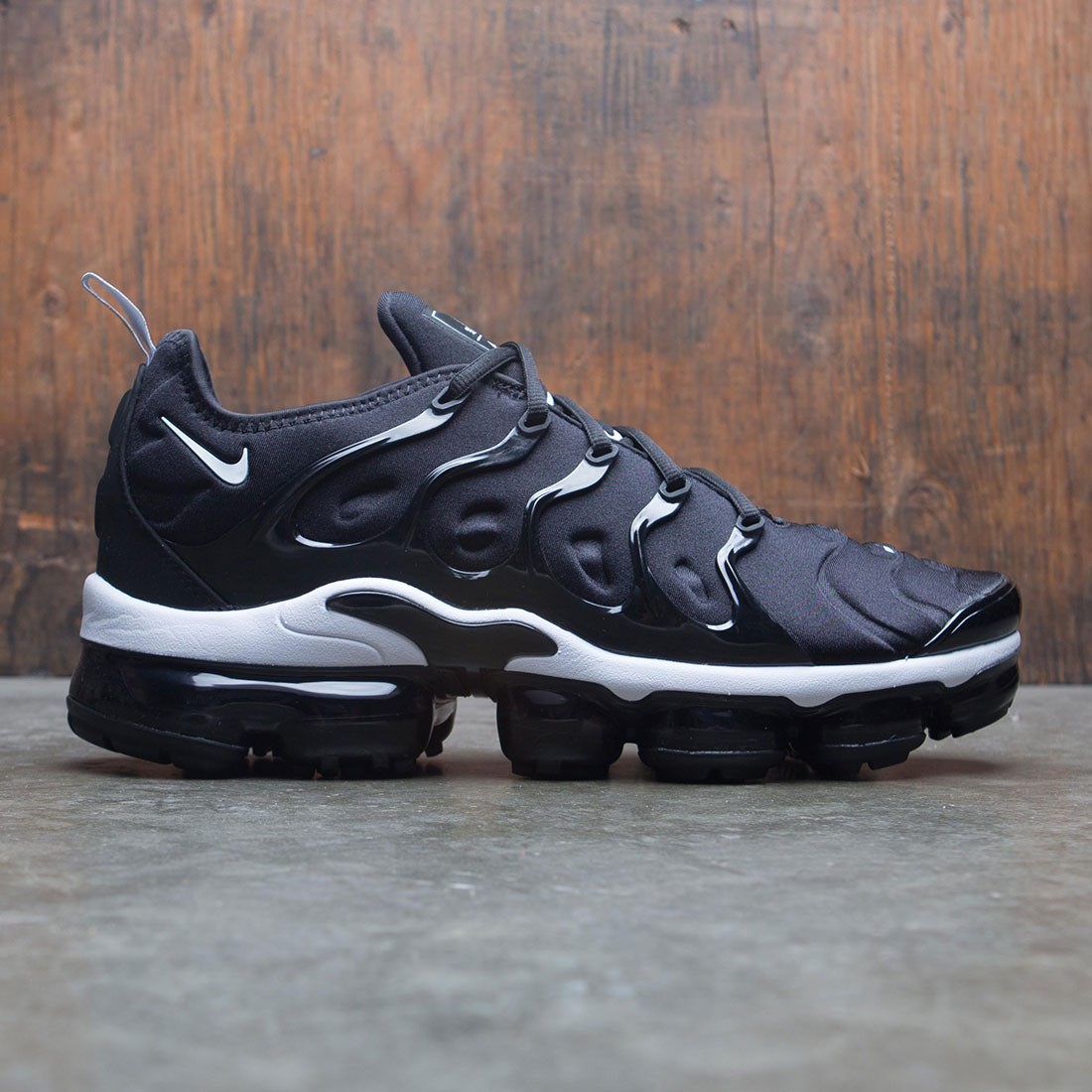best service a1039 d4813 Nike Men Air Vapormax Plus (black / white)