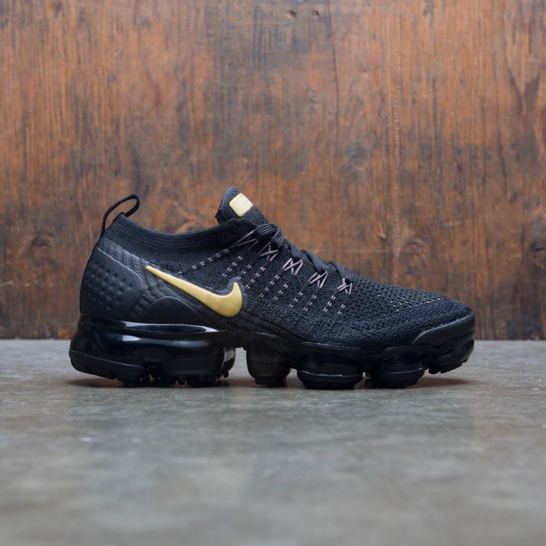 new concept 19383 43b35 Nike Women Air Vapormax Flyknit 2 (black / metallic gold-mtlc platinum)