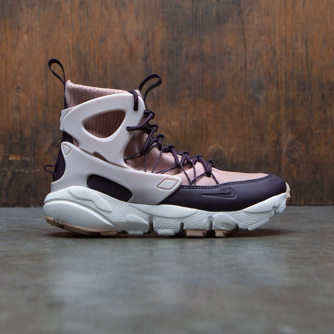 Nike Women Air Footscape Mid Utility (particle pink / silt red-summit white)