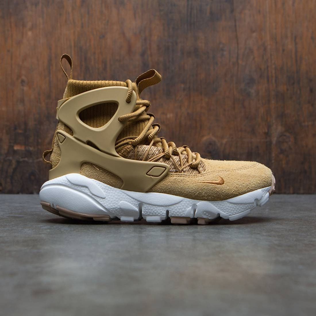 Nike Women Air Footscape Mid Utility (tan / wheat / wheat-summit white-gum med brown)
