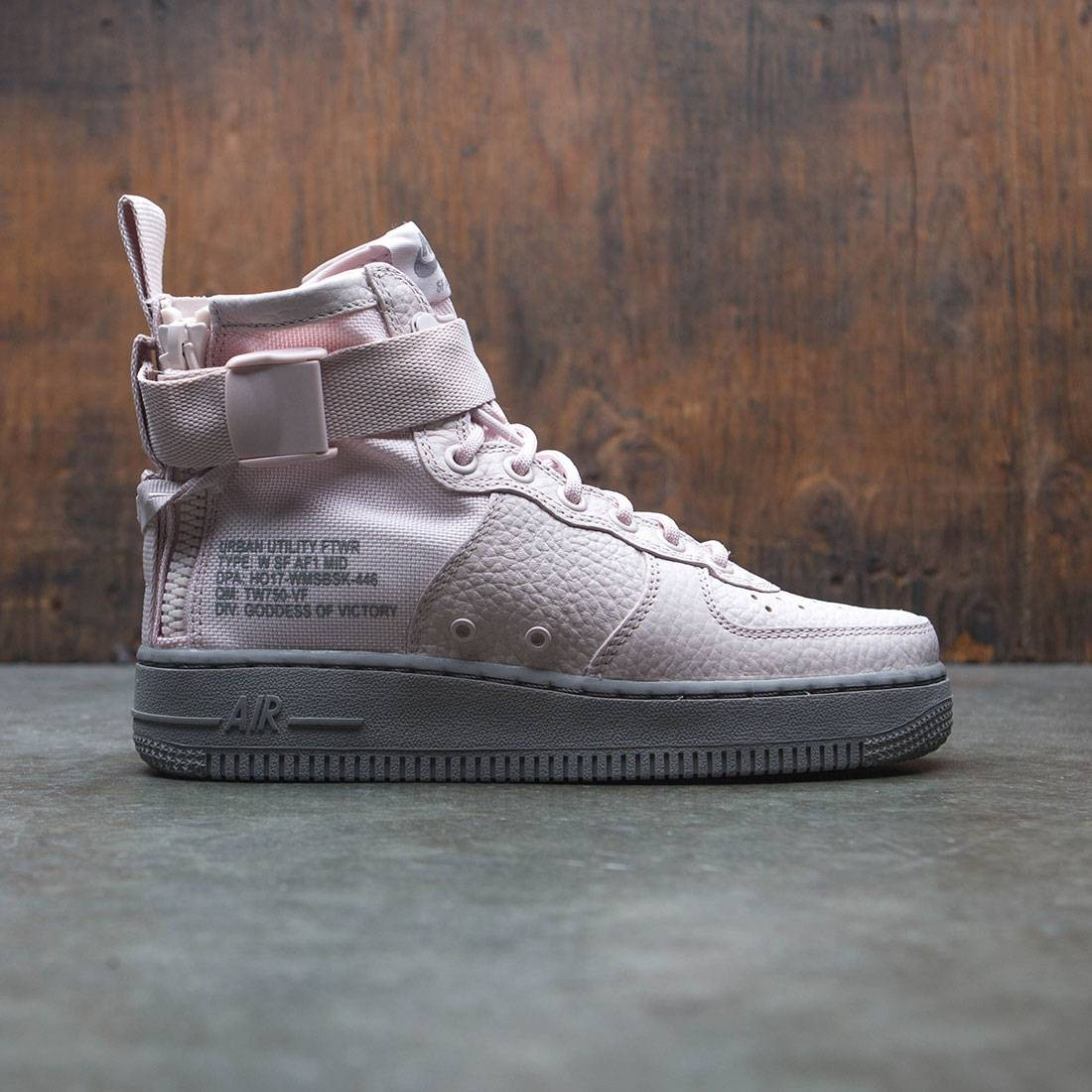 Nike Women Sf Air Force 1 Mid (silt red / silt red-dust)