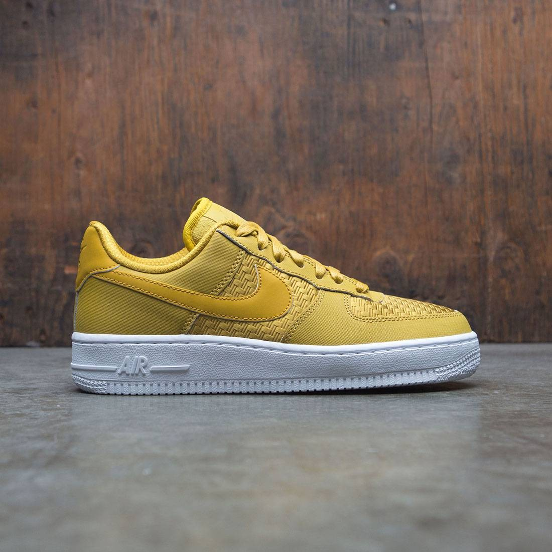 Nike Women Air Force 1 '07 Pinnacle (dark citron / dark citron-white)