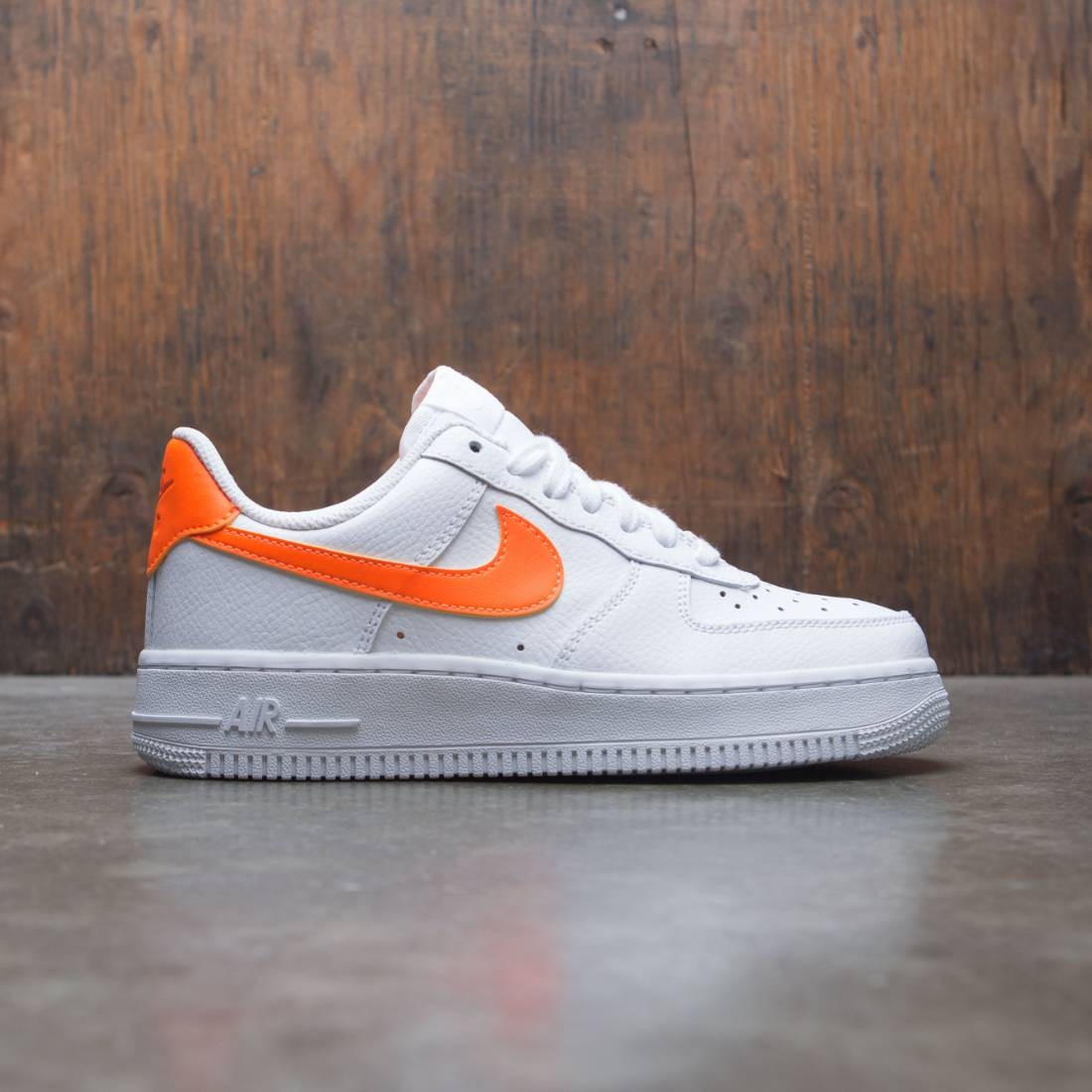 best loved no sale tax wide range Nike Women Air Force 1 07 (white / total orange-white)