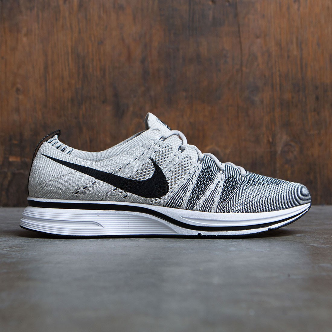 Nike Men Flyknit Trainer (gray / pale grey / black-white)