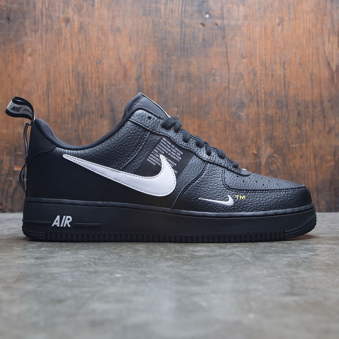 the latest 417b1 d7e94 nike men air force 1 07 lv8 utility black white black tour yellow