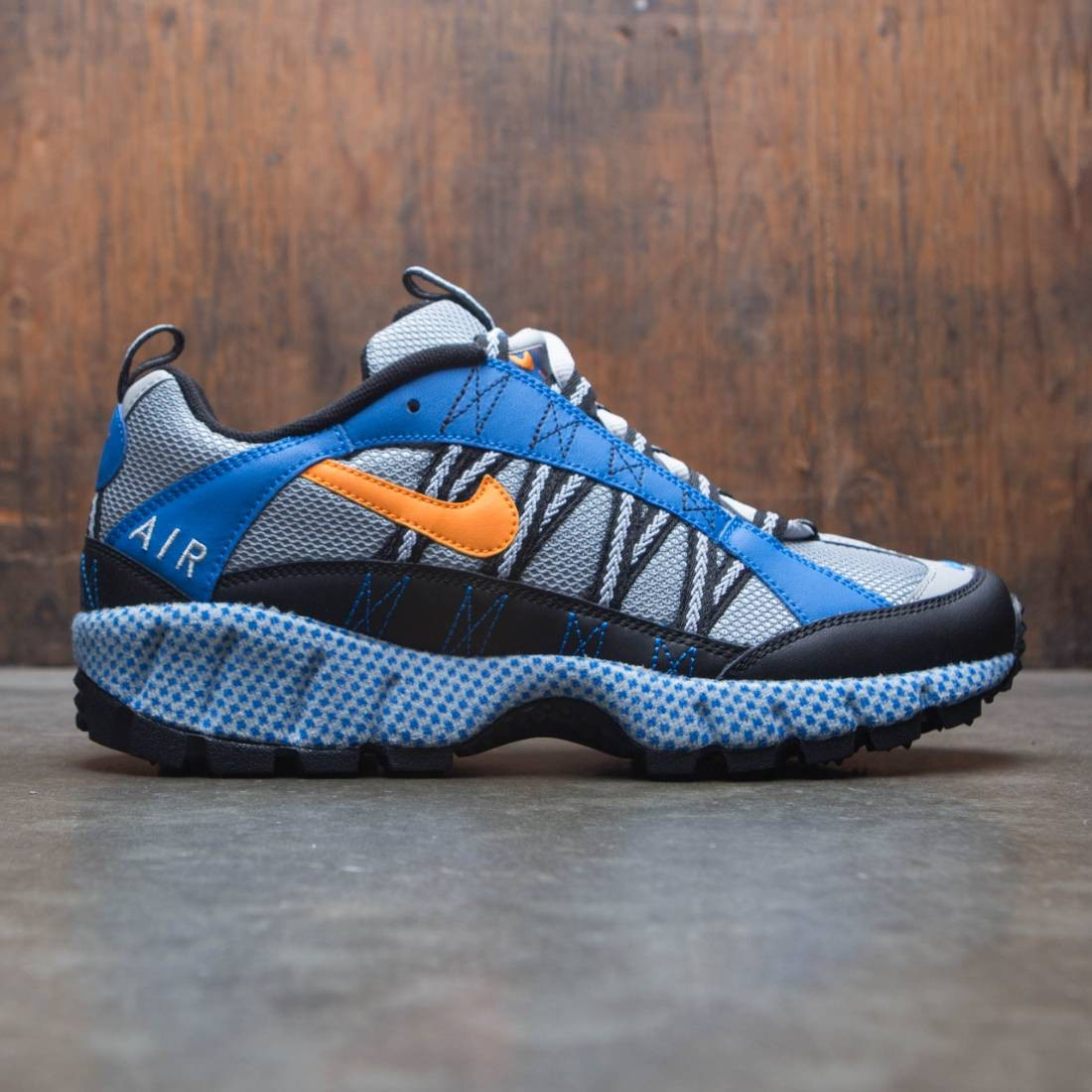 Nike Men Air Humara 17 Qs (silver / carotene-blue spark-black)