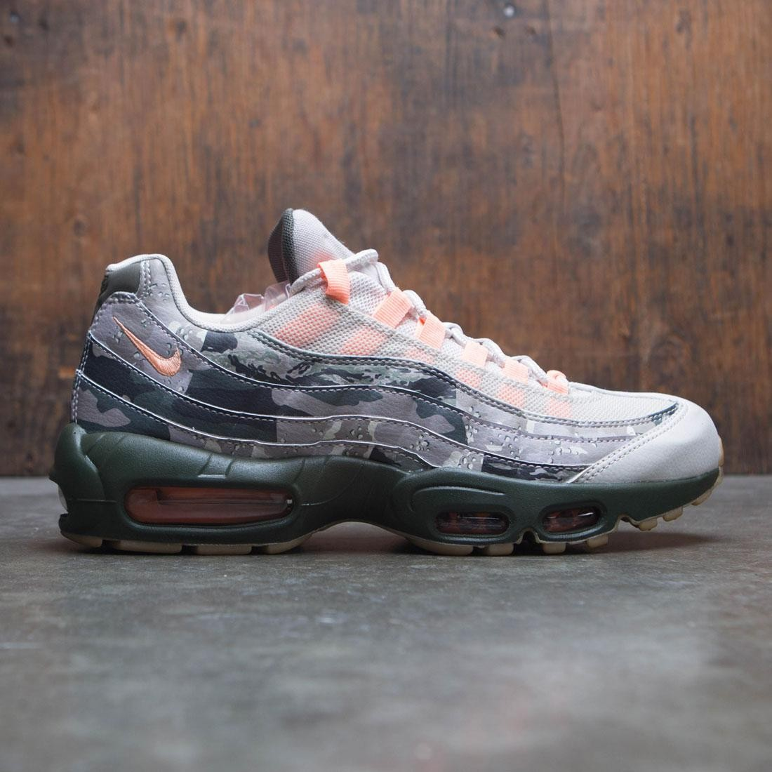 f78be5fcb5 Nike Men Air Max 95 Essential Camo (desert sand / sunset tint-black)