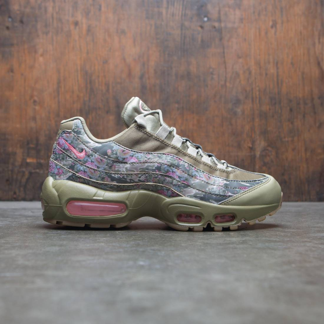 best service 446e2 533ba nike women air max 95 camo neutral olive arctic punch