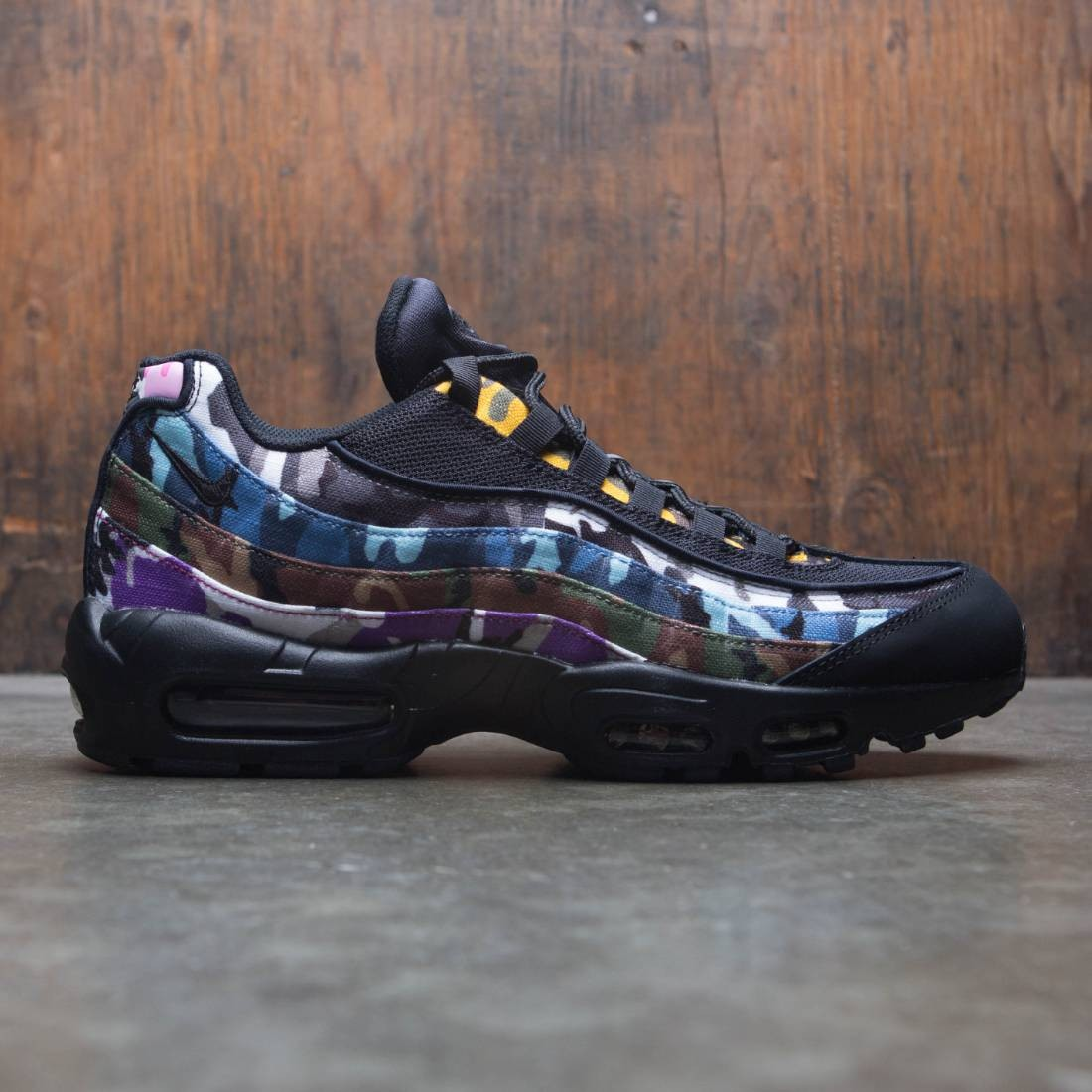 size 40 5f7e7 bfac9 Nike Men Air Max 95 Erdl Party (black / multi-color)