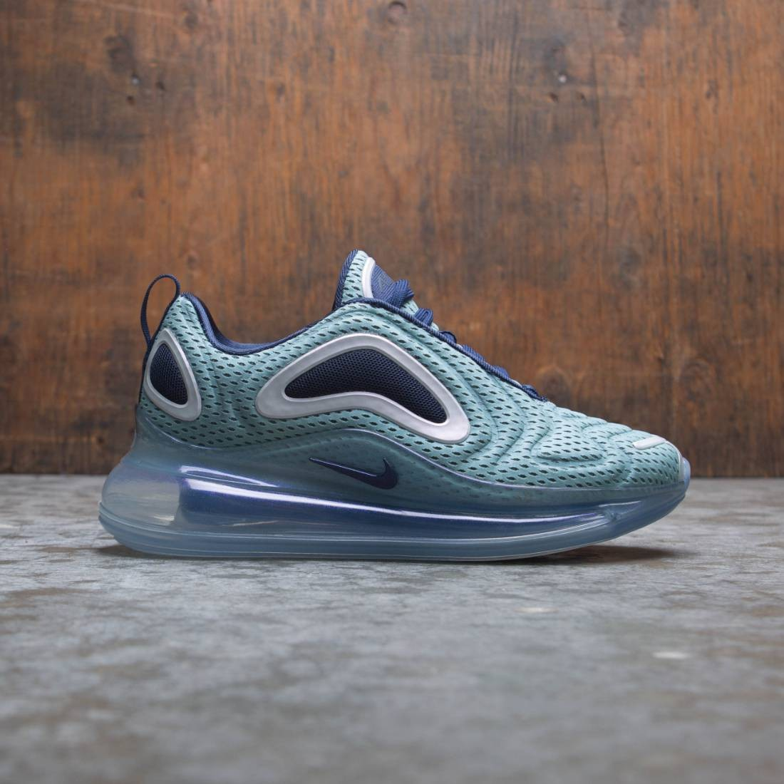 Nike Women Air Max 720 (metallic silver / midnight navy)
