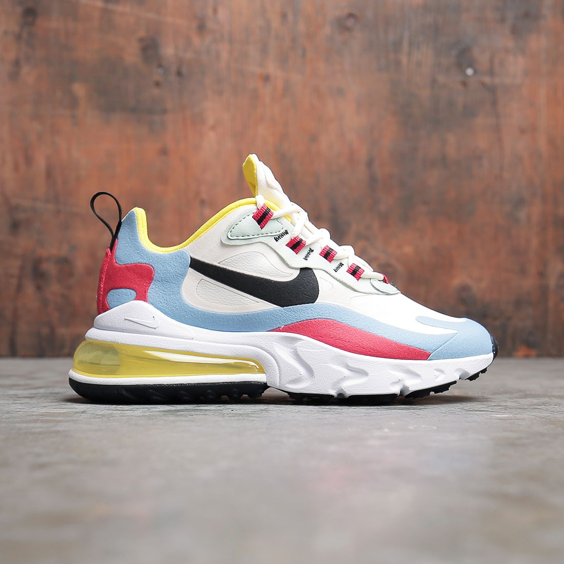 Nike Women Air Max 270 React (phantom black light blue university red)
