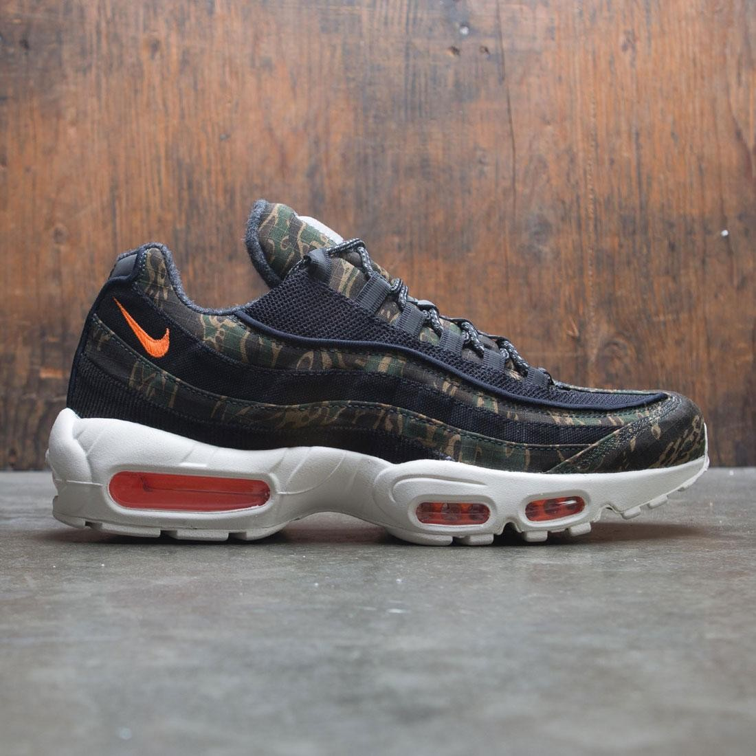 Nike x Carhartt Men Air Max 95 Wip (black / total orange-sail)