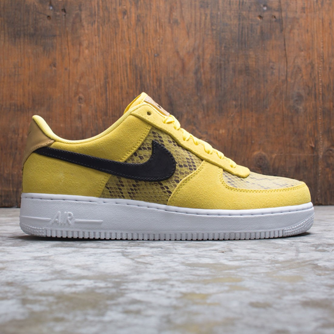 Nike Men Air Force 1 07 Premium Chrome Yellow Black Club Gold White