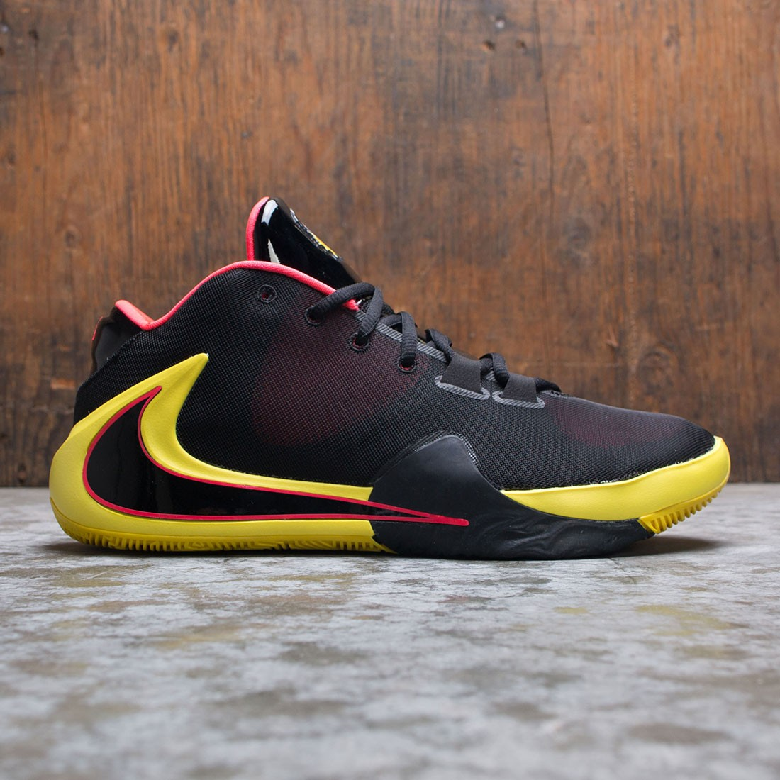 Nike Men Zoom Freak 1 Soul Glo (black / black-red orbit-opti yellow)