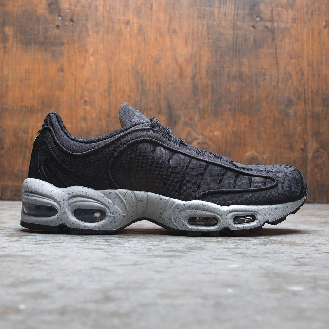 Nike Air Max Tailwind IV SP black wolf grey volt