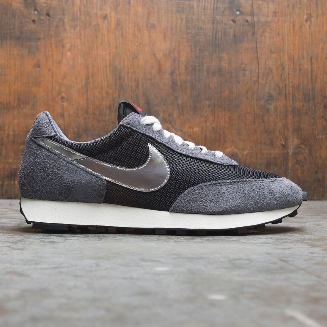 Nike Men Daybreak Sp (black / metallic silver-dark grey)